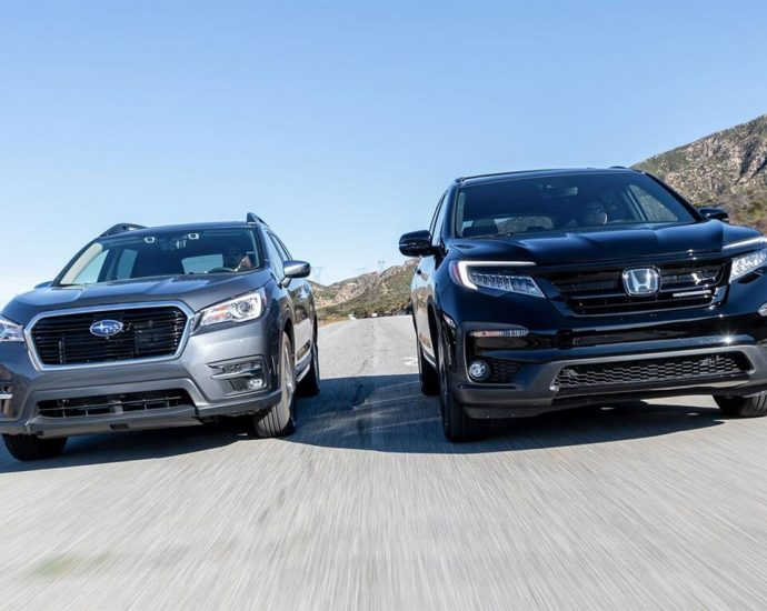2020-Honda-Pilot-Black-Edition-AWD-vs-2020-Subaru-Ascent-Touring-SUV-comparison-4