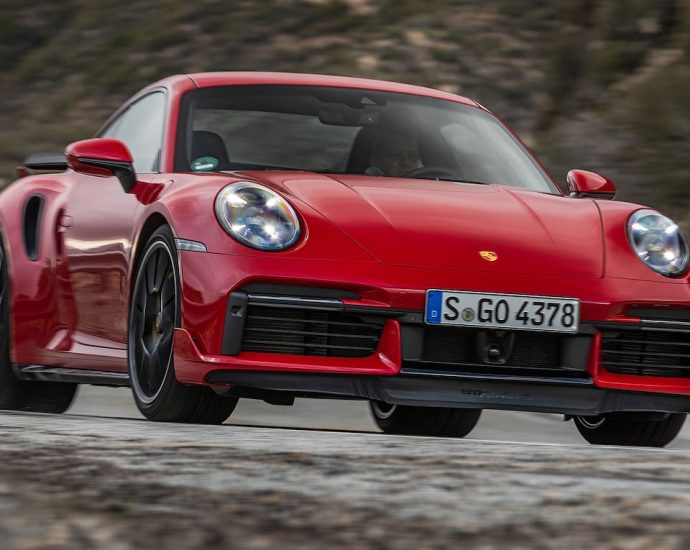 2021-porsche-911-turbo-s