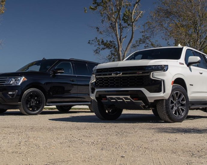2021 Chevrolet Tahoe Z71 vs 2020 Ford Expedition XLT