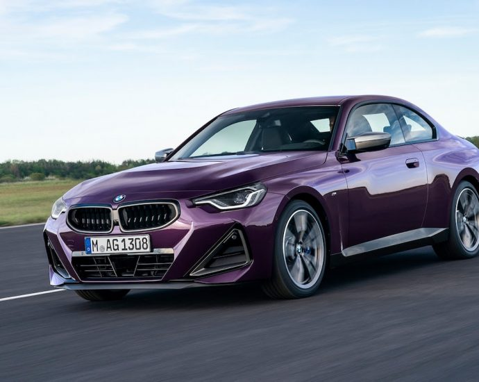 2022 BMW 2 Series Coupe First Look
